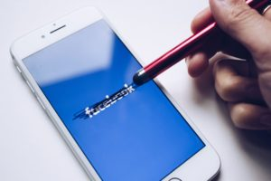 Facebook restricts Australian news content